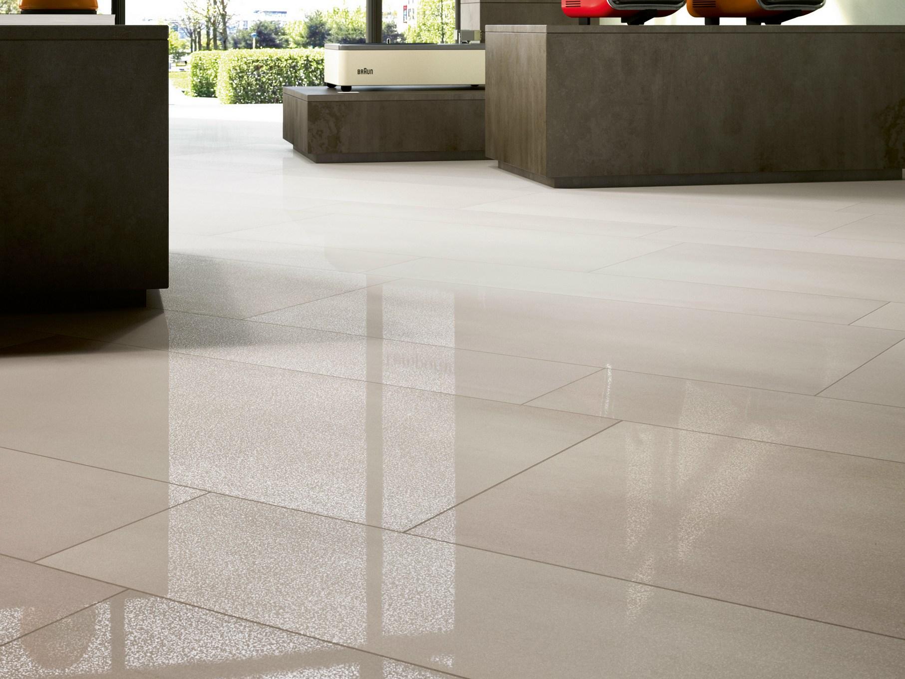 Pavimenti lucidi moderni pavimenti gres marmo travertino for Gres porcellanato effetto legno leroy merlin