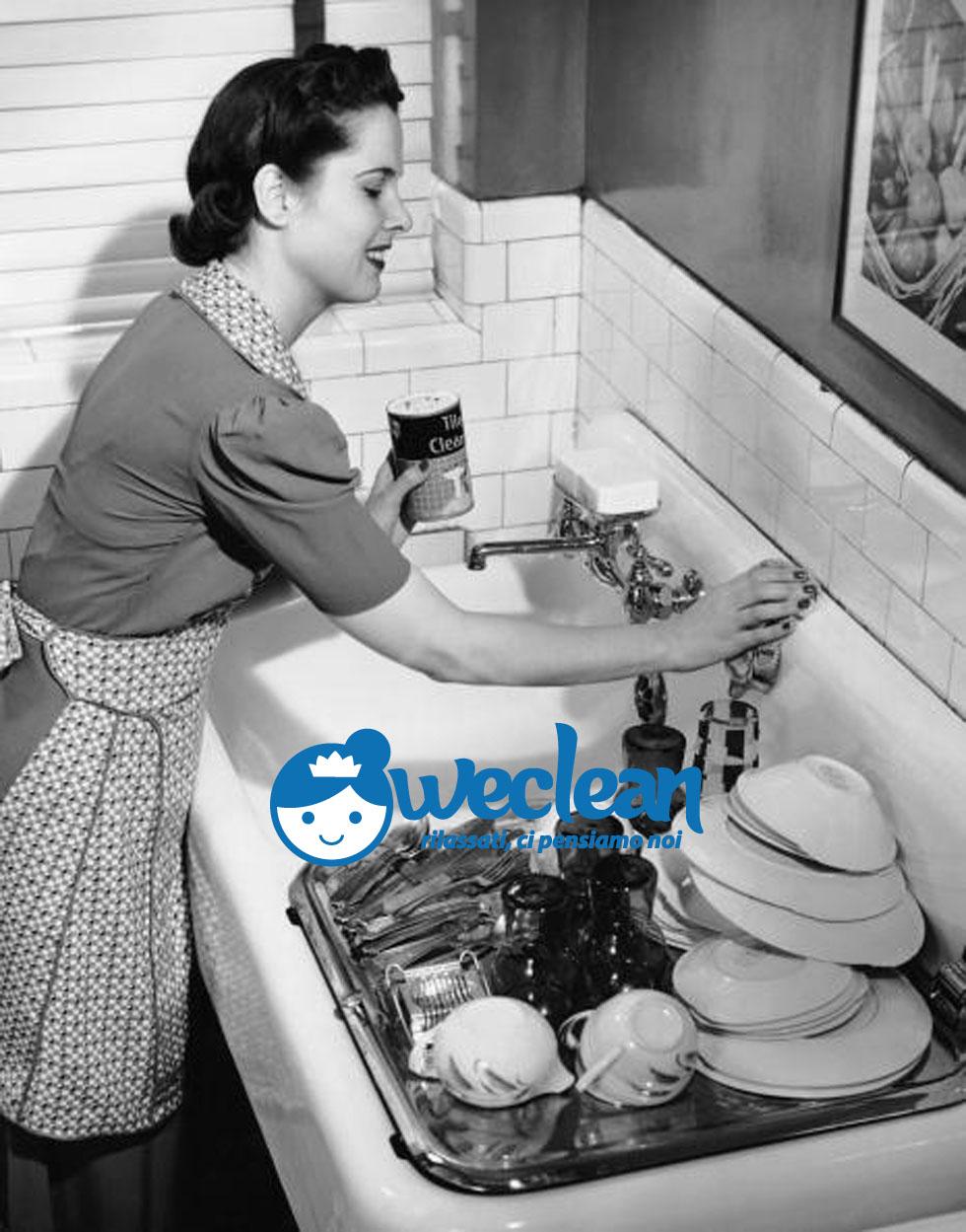 Pulizia lavello cucina