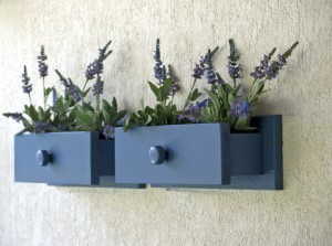 riciclo-creativo-mobili-come-trasformare-cassettiera-in-fioriera9-640x475